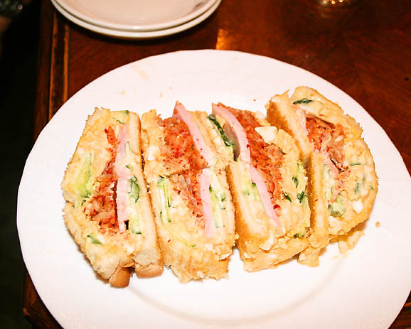 おいしい、ヘルシー、新しい! 大阪発の「キムチサンド」を食べてみました
