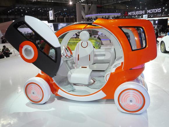 【東京モーターショー2011】次世代車両は女性にも優しいシティコミュータータイプ