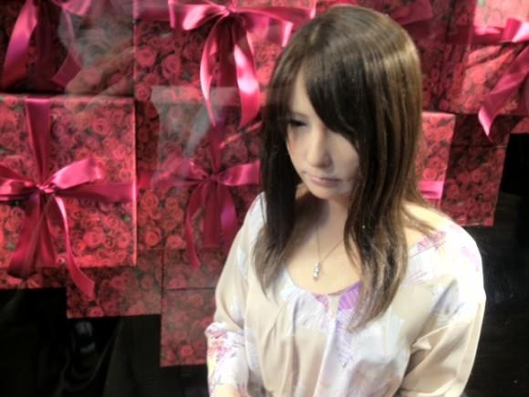 超絶リアルな人型アンドロイドがいるとウワサの新宿高島屋に行ってみた!!