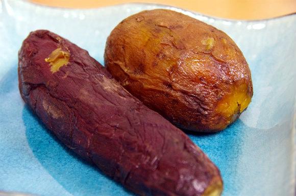 """おイモの概念を覆す衝撃のウマさ! 銀座で話題の """" 蜜が出るほど甘くねっとりとした""""「焼きイモ」を食べてみたよ"""
