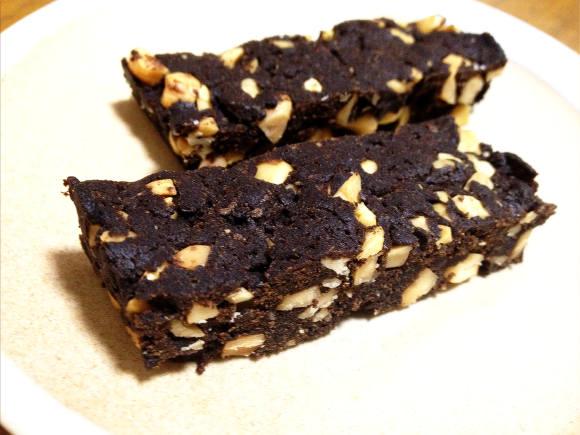 【低カロリーレシピ】まるでチョコみたい! キャロブパウダーで作るブラウニーはほんのり甘くて上品な味