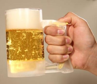 【ビール泡好き朗報!】いつでもどこでも泡々ビールが楽しめちゃう♪ 泡立てジョッキが発売されるぞ~
