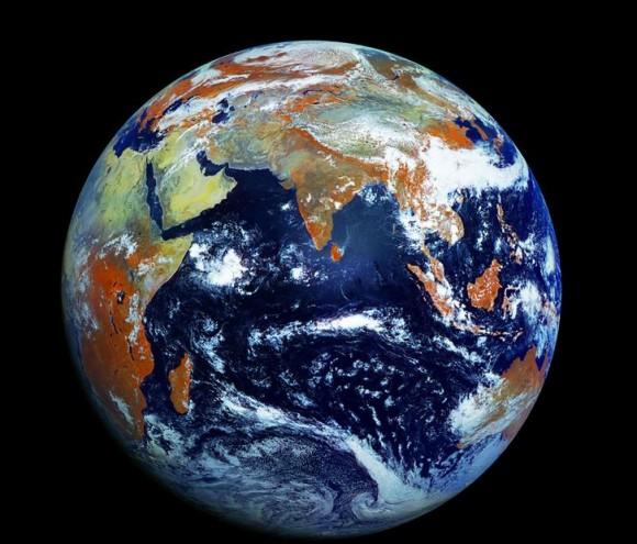 気分はすっかり宇宙飛行士! 地球や宇宙に超接近した映像&画像を高解像度で見ることができるサイト