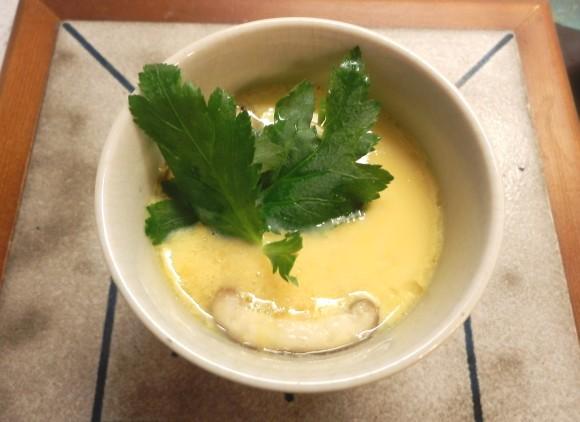 【腹ペコ女子のマンガ料理】ふんわりジュワ~ッ! マンガ『澤飯家のごはんは息子の光がつくっている。』より「たこ焼き入り茶碗蒸し」を再現!
