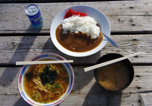 富士山グルメベスト3! 富士登山中の山小屋で食べたモノで一番おいしかったのは○○○でしたーッ!!