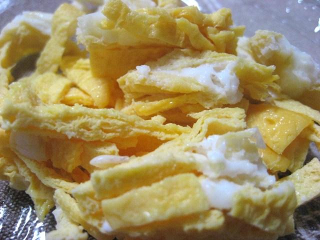 簡単すぎる! 錦糸卵をレンジで作れば、冷やし中華などに便利!