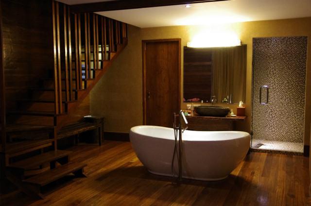 【週末バリ体験記 Vol.3】仰天! お風呂がお部屋のど真ん中にある大胆すぎるホテル