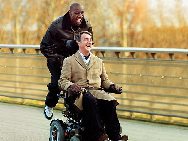 笑いのツボと涙腺を刺激されまくり!! 身体障害者と健常者の垣根を超えた映画『最強のふたり』【最新シネマ批評】