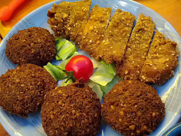未知との遭遇!? イスラエル料理の食べ放題に行ってきた!! …でも、イスラエル料理ってどういうの?
