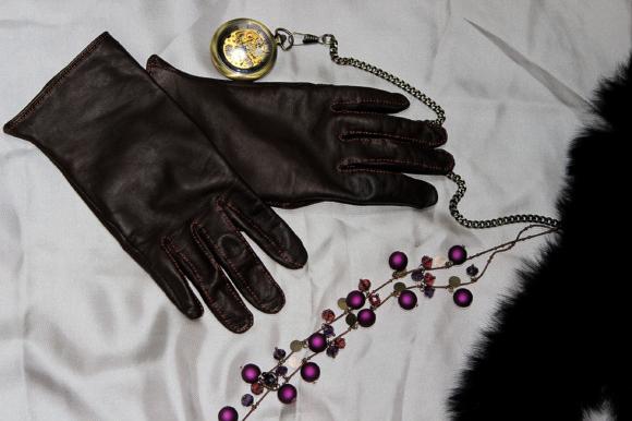 あなたの手にピッタリの手袋はいかが? 革手袋専門店『ブロッサム』でオーダー手袋を作ってみたよ☆ つけたまま折り紙も折れちゃうフィット感にビックリ!