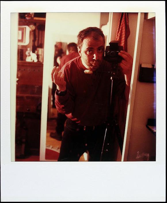 青春時代から病に敗れて亡くなるまで19年間毎日ポラロイド写真を撮り続けたある男の記録