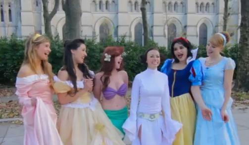 ディズニープリンセスたちが直接指導!? スターウォーズのレイア姫が「ディズニープリンセスになる極意」をお勉強している模様です