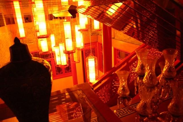 【妖艶な宿】中国の北京で泊まった中級ホテルが映画『花様年華』みたいな色気ありすぎな雰囲気で最高でしたの!