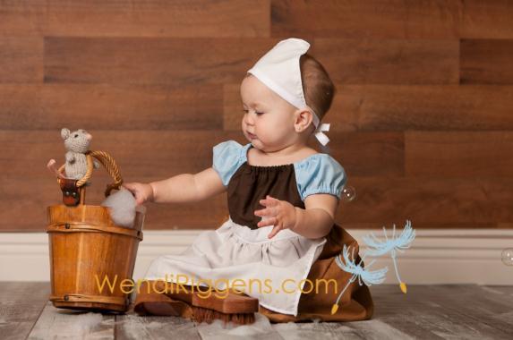 この愛らしさにはもうメロメロ! シンデレラ、赤ずきんちゃんなどに扮した究極にカワイイ赤ちゃん