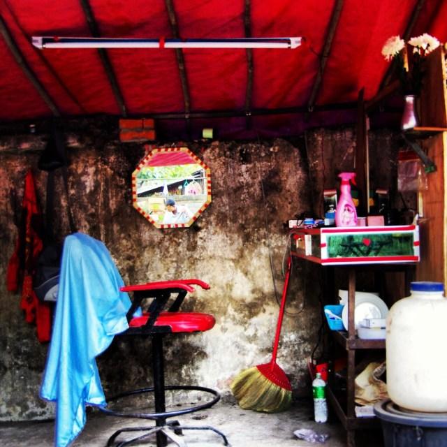 ミャンマー(ビルマ)のヤンゴンで見つけた「箱庭」みたいに小さくてカワイイ、味のあるお店