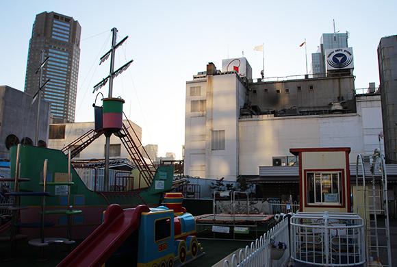 思い出に浸るなら今のうち! 渋谷東急東横店東館屋上の「ちびっ子プレイランド」が3月中に閉園しちゃうよー!!