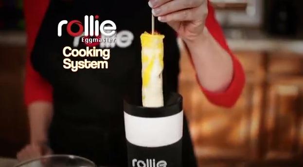 にゅぅ〜っと出てくる! ものの数分でスティック状の「ふわふわ卵焼き」が作れちゃう斬新な調理器