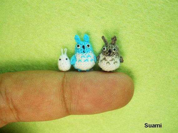 一体どうやって作ってるの!? 指先サイズの極小編みぐるみを製作する編み物集団『Su Ami』がスゴイ!
