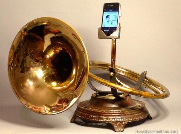 臨場感が凄まじい…! 廃品同然の金管楽器をiPhone・iPad用スピーカーに変身させたらスンゴイことになっちゃった!