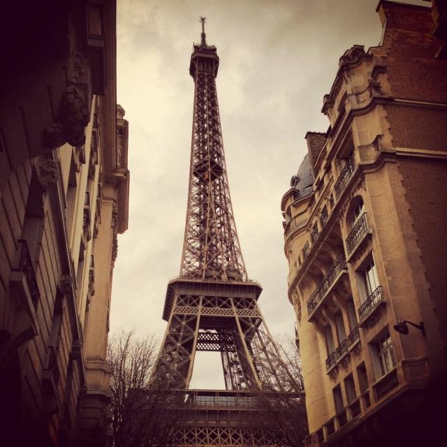 【パリひとり旅】海外の自販機は募金する覚悟で使用せよ! 「商品&お金が出てこない」ときの切なさを軽減する方法