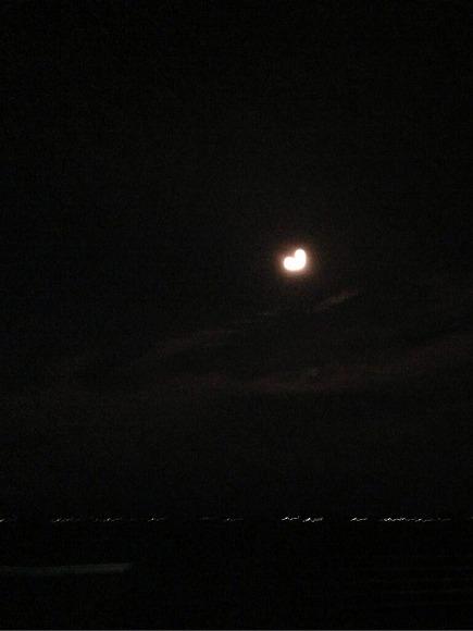 現役女子高生が撮影した「スーパームーン」の写真がTwitterで話題/ハート型のお月さま、なんてロマンチックなんだ!!!!!