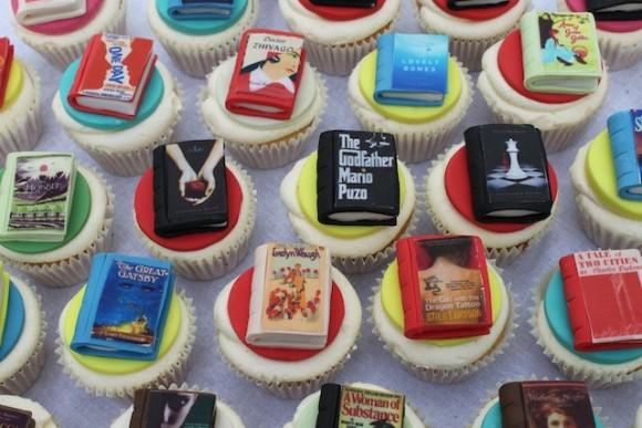 小説の表紙もリアルに再現!? ロンドンの菓子店「ヴィクトリアキッチン」が作るユニークなカップケーキ