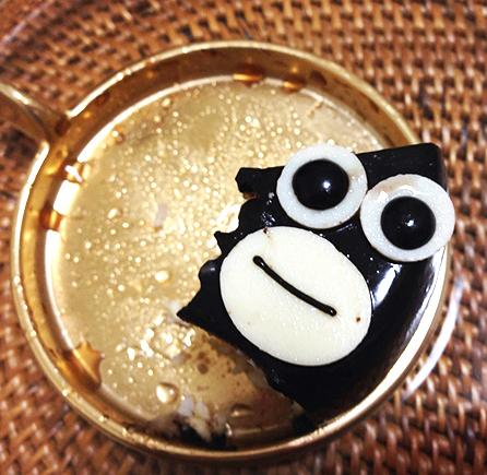 Suica「ペンギンケーキ」食べていると顔の変化に胸キュン/可愛くて食べるのが切なくなる