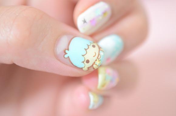 【かわいいネイル】サンリオ公認の「キキララ☆ネイル」にしてみたよ/親指のキキ&ララちゃんが存在感バツグンでぐうかわ