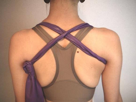 肩こり・くびれ・ぽっちゃりを一気に解消する方法/ 肩甲骨を意識した美姿勢を3分間キープせよ!!