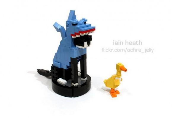 ルンバで移動する猫「シャーク・キャット」がとうとうレゴに! しかも本物みたいに動くよ!