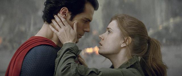 スーパーマン史上最も孤独で影がある!? 誕生のヒミツを描く映画『マン・オブ・スティール』【最新シネマ批評】