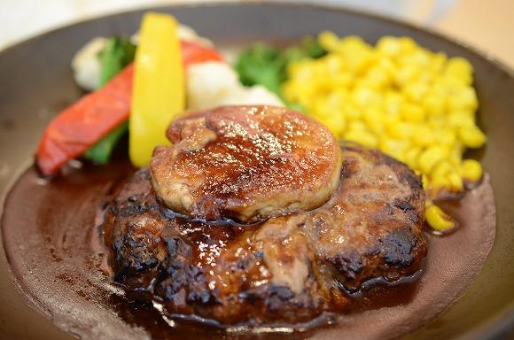 【8月29日の新発売】ジョナサンの「フレンチフォアグラ&ハンバーグ」/極上のフォアグラをファミレスで食べられるですとなっ!?