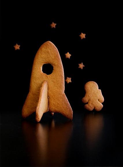 3Dの宇宙船型クッキーをおうちで焼けるのッ/子どもも大人もテンション上がっちゃいそうなクッキーの抜型☆