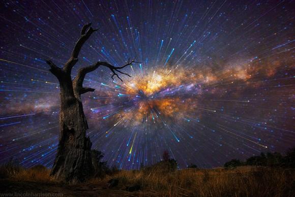 花火のように星が降り注ぐ光景は圧巻! 長時間露光で撮影されたオーストラリアの星空に震える