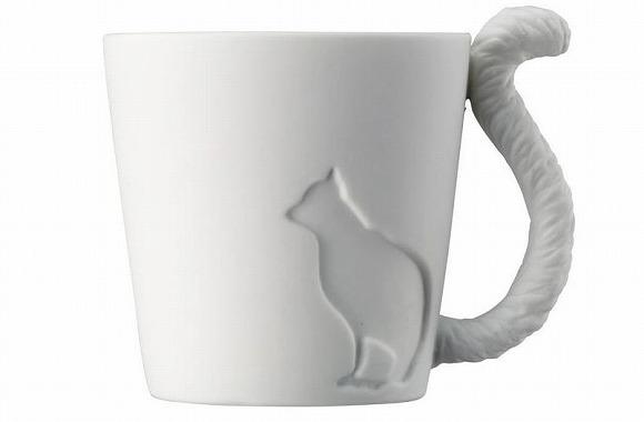 温かいココアが飲みたい♪  動物モチーフのマグカップ「MUGTAIL」 / ニャンコやウサギのふさふさしっぽ付きなのだ