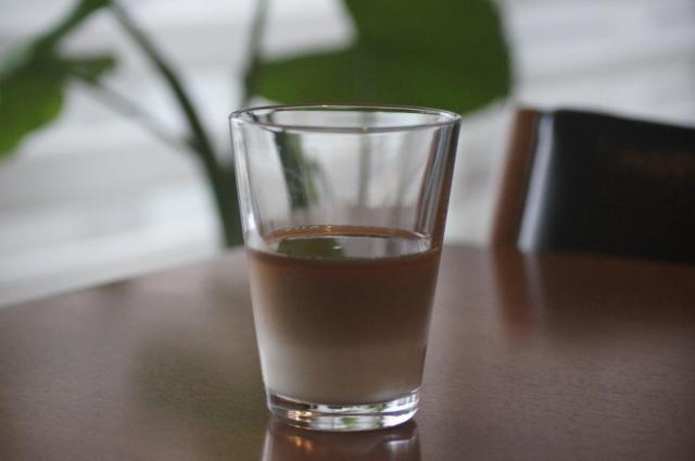 ぜひ試してみたい! ミルクとコーヒーが分離したオシャレな「二層カフェオレ」の失敗しない作り方