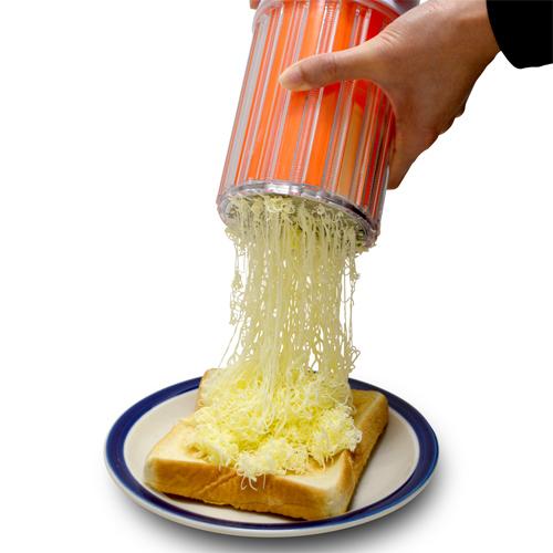 ふわっふわのバターが出てくる!! 日本発「バターすりおろし器」が海外で話題に