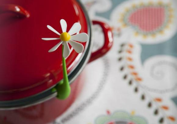 【かわいい】STOPお鍋の吹きこぼれ!! 沸騰するとお花がクルクルまわるかわいくて優秀なキッチングッズ