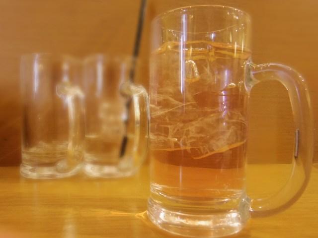 給料日前だって飲みたい! 約700円で串2本&ジョッキ8杯が飲めちゃうお店があるよー!