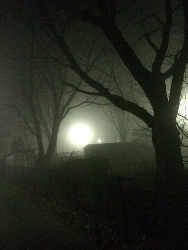 【速報・濃霧注意報】東京・町田市内の中心部などで濃い霧が発生中