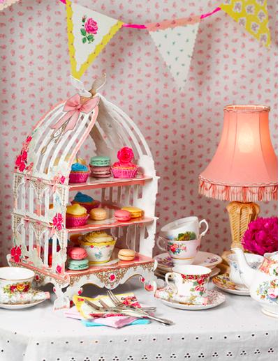 【かわいい】最強に可愛いメルヘンなケーキスタンド「飾って、汚して、捨てられます」
