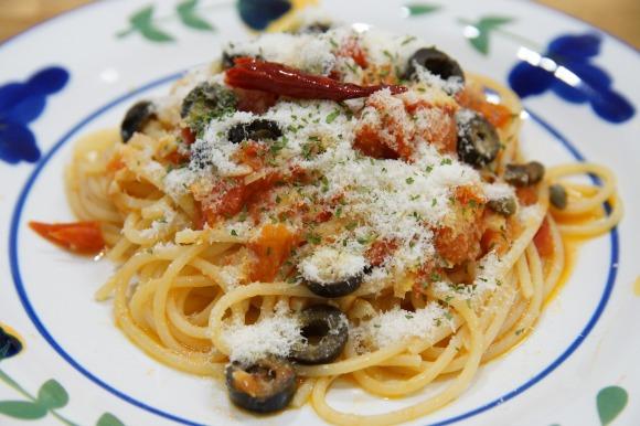 【ジョジョの奇妙な冒険】イタリア料理人スタンド使いトニオ・トラサルディーの『娼婦風スパゲティー』の作り方