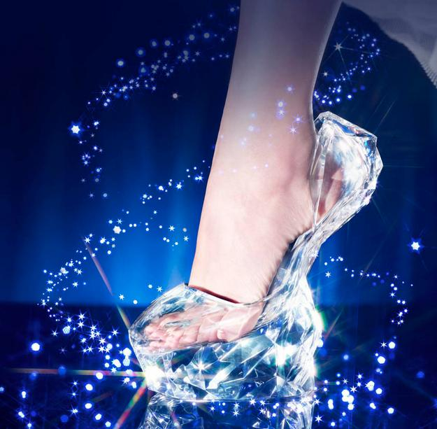 【シンデレラはアナタ!?】セレブ城・表参道ヒルズで「ガラスの靴」にピッタリハマる女性を探しているようです