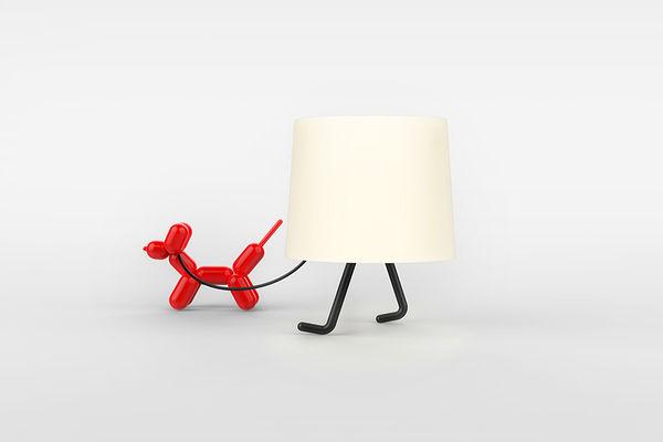 これで独り暮らしも寂しくない!? 2本の足がニョキッと生えた人間みたいなランプを発見