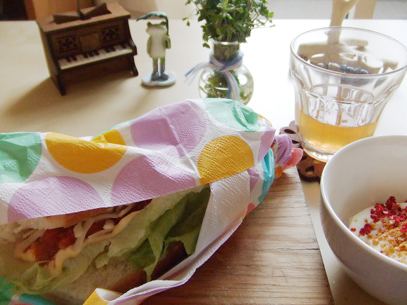 【楽しい1人ランチ】夕ご飯の残りでオシャレなサブウェイ風「自家製ミートソース・サンド」の作り方 / サンドウィッチの新定番になる予感!
