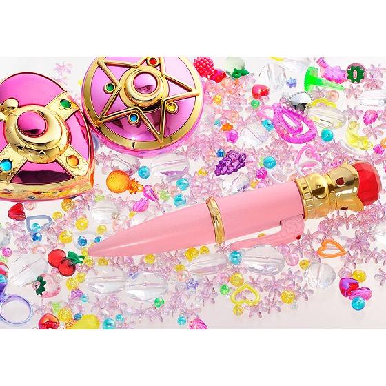 【魔女っ子速報】美少女戦士セーラームーンの「ライトな変装ペン」予約受付スタートッ! 赤い宝石がキラキラ光るボールペンだってぇ~!!!