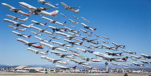 スカーッと気分爽快!! ロスの空港を離陸する飛行機をまとめて写真&ムービーにしてみたら