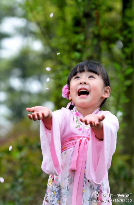 まるで桜の妖精みたい! 中国の伝統衣装に身を包んだ、可愛すぎる女の子がネットで話題沸騰中!