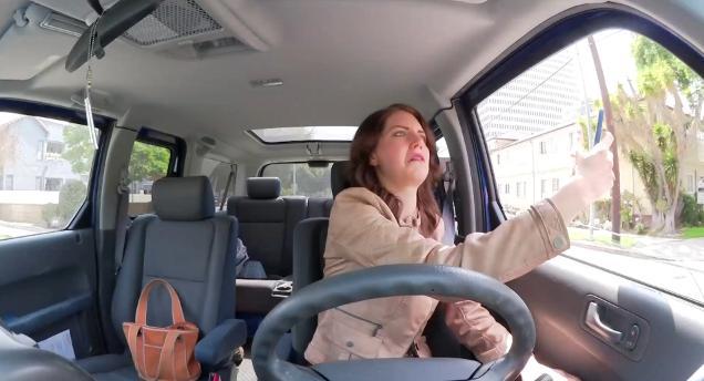 アナタは当てはまる? 車の運転からみる男と女の違い / 男性は「独りの世界に浸る」型、女性は「注意散漫」型