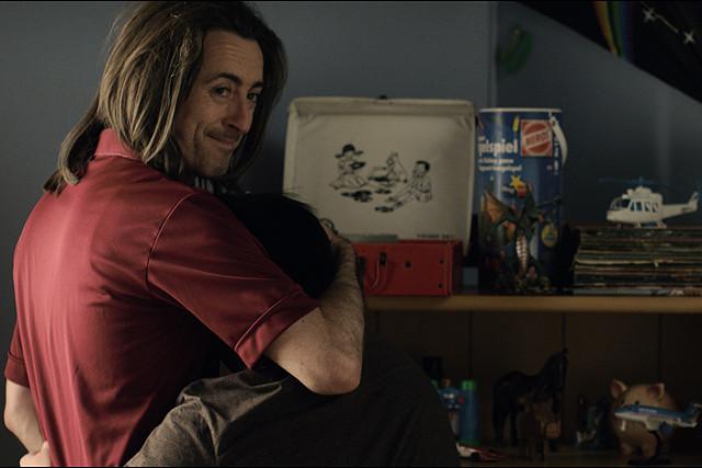 全米の映画祭で「観客賞」の数々を受賞! ゲイカップルとダウン症の少年の絆を描いた号泣映画『チョコレートドーナツ』【最新シネマ批評】